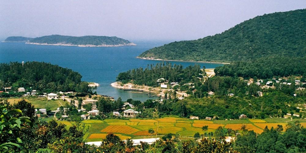Thắng cảnh Cù Lao Chàm - Tác giả Thái Tuấn KiệtBan quản lý Khu bảo tồn biển Cù Lao Chàm
